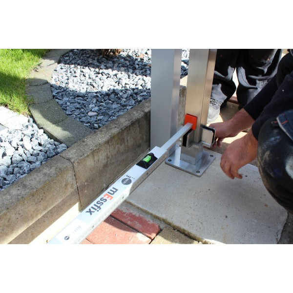 ADGO/® Pfostentr/äger 70 x 70 x 750 mm Zaunpfosten Erdspie/ß feuerverzinkt Einschlagh/ülse Pfostentr/äger Bodenh/ülse Einschlagh/ülse Pfostenanker Stahl silber