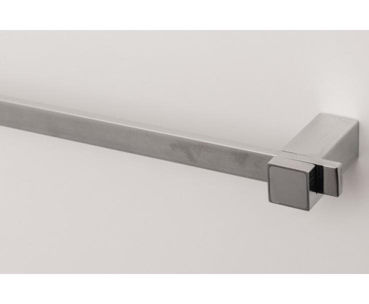 Handtuch-Stange kann flexibel auf den Haltern befestigt werden, Bild 5