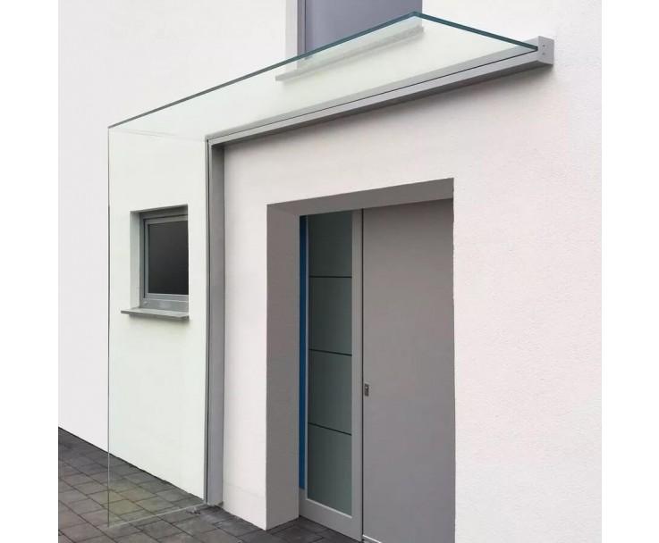 Montiertes Vordach mit Seitenwindschutz in Edelstahloptik