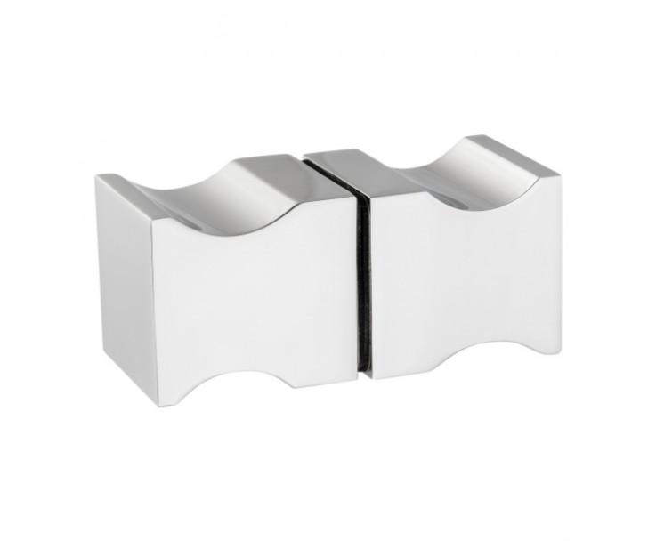 quadratischer moderner Griff in polierter Ausführung