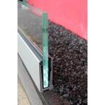 Bodenprofil zur aufgesetzten Montage von Glas-Brüstungen mit Flansch inkl. Glasgummis und Keile, Bild 2